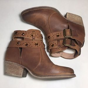 Betsey Johnson Leather Willow Booties Size 6.5
